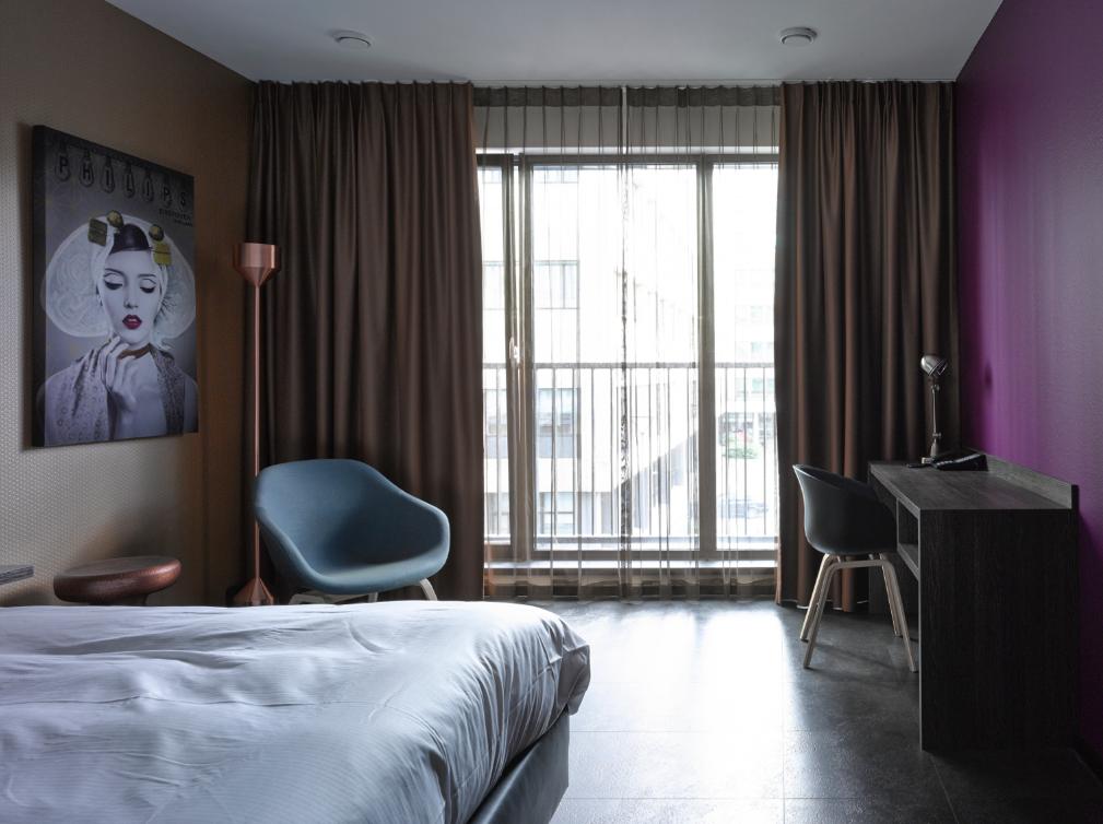 Wallpaper Inntel Art Hotel KamervoorbeeldInntelArthotel - Naam Interieurarchitect Ab Oosterhof en Serge Technau fotograaf